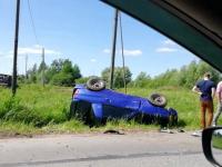 Фотофакт: на Юрьевском шоссе произошла авария. Одна из машин перевернулась