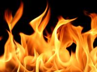 Огненные итоги выходного: гибель старушки на пожаре и роковой удар молнии