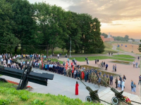 Сегодня в 4 утра новгородцы приняли участие в «Свече Памяти»
