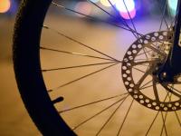 В Великом Новгороде пострадали две велосипедистки — девочка и девушка
