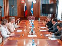 Вероника Минина и глава Якутии обсудили взаимовыгодное сотрудничество между регионами