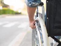 Андрей Никитин предложил главам районов использовать инвалидные кресла для проверки дорог