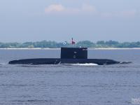День ВМФ подводная лодка «Великий Новгород» встретила на боевом дежурстве