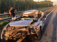 ДТП на М-11 в Новгородском районе: автомобиль всмятку, а водитель ушибла глаз