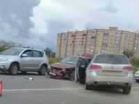 Из-за неуступчивости водителей в Великом Новгороде пострадали два ребенка