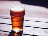 На футболе пить? Депутаты Госдумы задумались о возвращении пива на стадионы