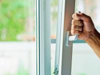 Открытый стеклопакет может стать причиной ограбления