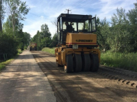 Участок дороги Медведь — Батецкий ремонтируют, используя технологию ресайклинга