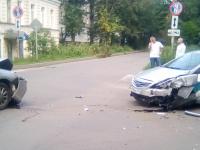 В Великом Новгороде произошла авария с участием скорой помощи