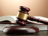 В Великом Новгороде суд рассматривает иск уволенного врача Руслана Уразгалиева
