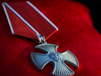 Владимир Путин наградил орденом Мужества погибшего на подлодке уроженца Валдайского района