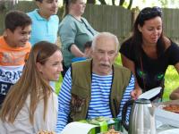 Александр Пашутин и съемочная группа «Паромщицы» встретились с участниками новгородского проекта «МаМы»