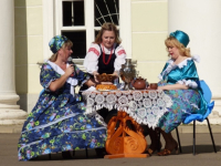 День купца на боровичской Спасской площади собирает гостей