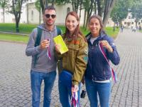 На Родине России в День Государственного флага раздали триколоры