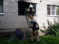 На утреннем пожаре в Великом Новгороде спасли мужчину за несколько минут
