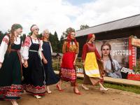 Новгородский «Сарафан» продефилировал в Вологде