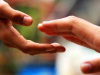 Новгородцы могут помочь пострадавшим в ДТП юным жительницам Хвойнинского района