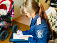 Причины гибели трехмесячного ребенка в Великом Новгороде обсудят в прямом эфире программы «Соседи»