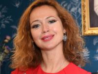 Стало известно имя соведущей Валерия Гаркалина на Новгородском фестивале «Вече»