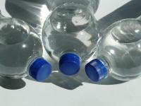 Пластиковая бутылка может стать причиной пожара