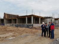 Мэр Великого Новгорода грозит штрафами строителям детсадов