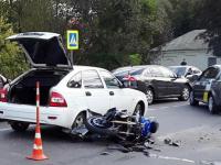 Стали известны подробности тройной аварии с мотоциклом на Большой Московской