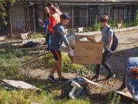 Новгородцы провели субботник в будущем приюте для бездомных животных
