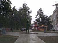 В Боровичах завели уголовное дело из-за кражи скамеек в только что благоустроенном сквере