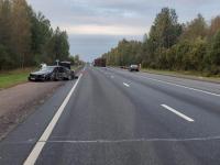 В Новгородском районе водитель «Ауди» уснул за рулем и столкнулся с грузовиком