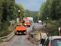 В Окуловском районе начался долгожданный ремонт опасного моста через реку Шегринка