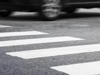 В Великом Новгороде женщина-водитель сбила девушку на «зебре»