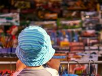 Эксперты рассказали о вреде игрушек, которые дают в магазинах по промоакциям