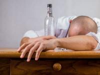 Медик рассказала о влиянии алкоголя на развитие ВИЧ-инфекции