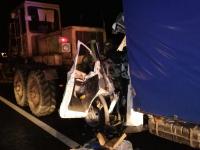 Новгородские спасатели деблокировали зажатого в кабине в результате ДТП водителя «Газели»