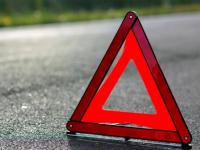 В Новгородской области полиция разыскивает водителя, сбившего пешехода насмерть