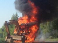 В Новгородском районе сгорел экскаватор