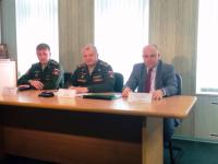 В Новгородском военкомате рассказали о косметичке для солдат и изысканных десертах в сухпайке