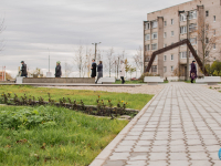 В Панковке открыли новый благоустроенный сквер с перголой и декингом