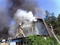 В Волховском загорелся жилой дом