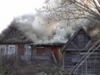 В выходные в Новгородской области горели баня, дом и машина