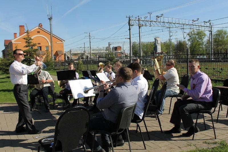 Представляем участников новгородского Парада оркестров: образцовый коллектив «Традиция» из Окуловки