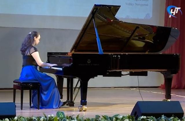 В Великом Новгороде пройдет конкурс юных пианистов имени Сергея Рахманинова