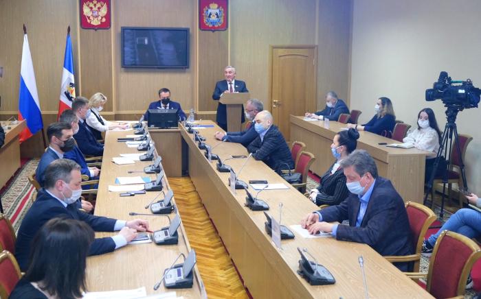 Дизайн-код Великого Новгорода будут вводить, учитывая интересы местных предпринимателей