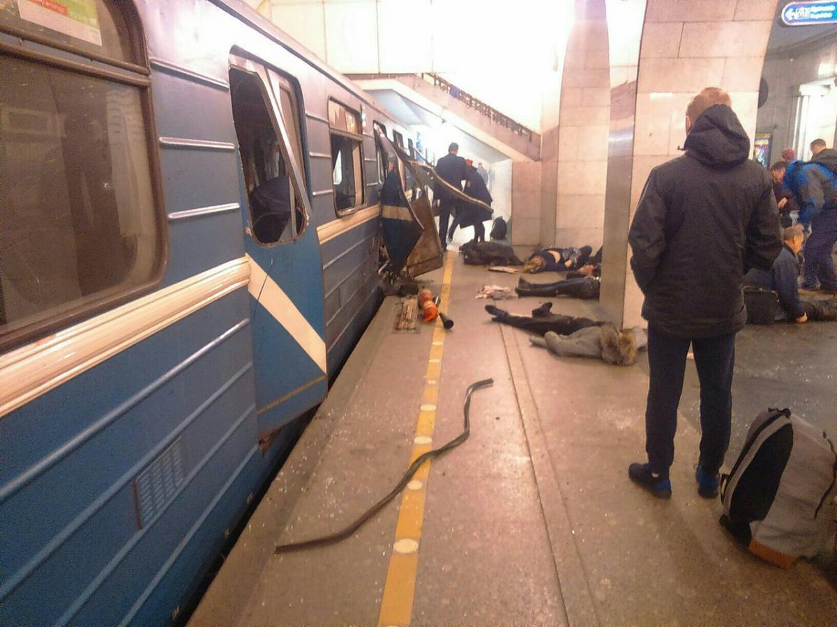 Маловишерец Максим Семёнов, пострадавший во время теракта 3 апреля, идет на поправку