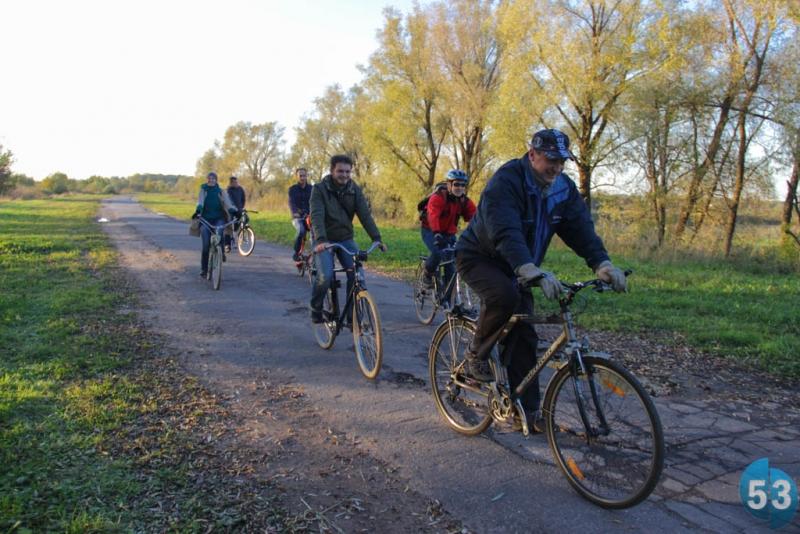 Новгородские велоактивисты прокатились по будущему первому веломаршруту с вице-мэром